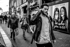 Marjan-van-Grinsven-logo-Street-photography-opdracht-BELLEN-BeWhoUare